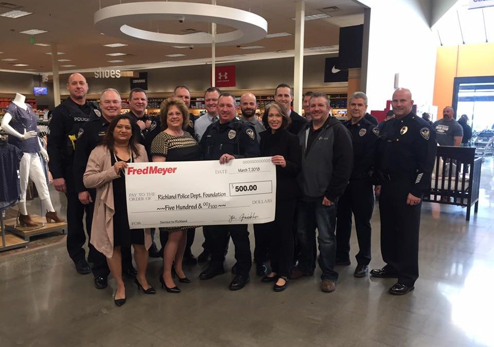 Richland Fred Meyer Donates $500